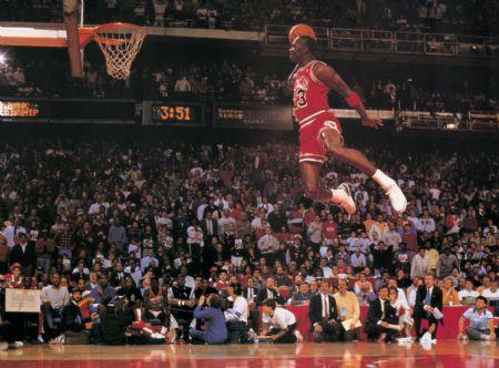 michael-jordan-dunking