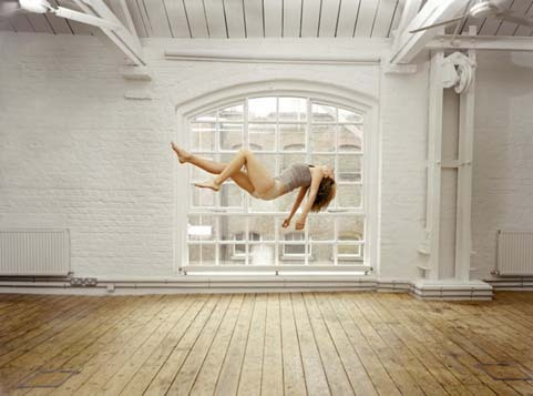 art-photo-floating-woman1