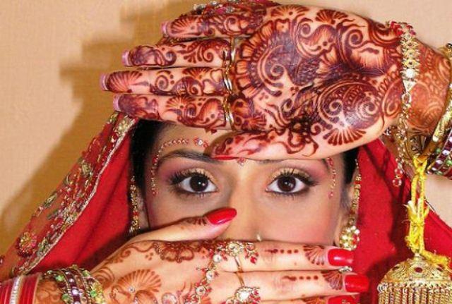 henna-bride-eyes.jpg