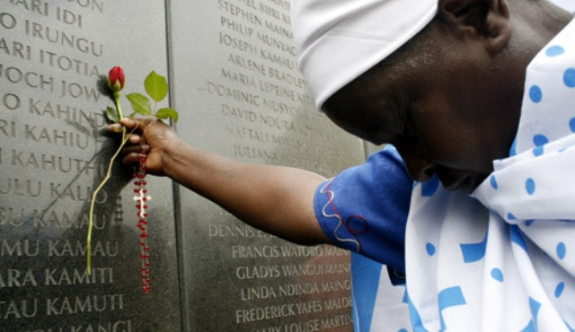 kenyan-woman-mourns-1997-nairobi-bomb-blast-victims.jpg