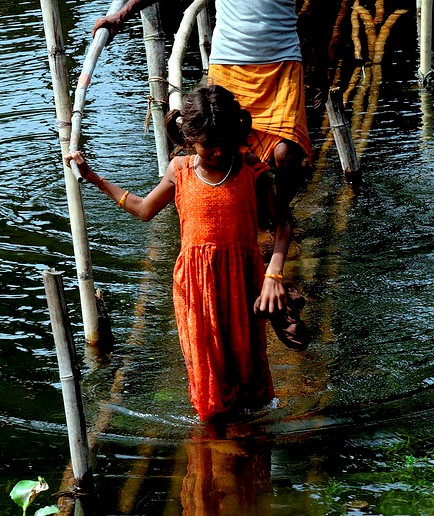 Indian Flood Victims Fleeing, Photo by Joshua Wiese