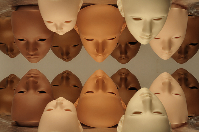 different-color-blank-faces-photo-by-frankenwah.jpg