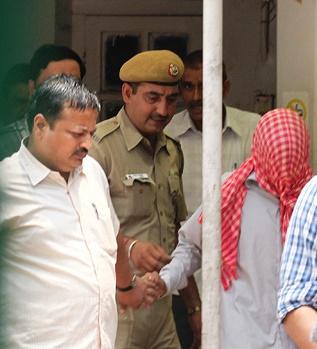 New Delhi, India, Gang Rape Court Trial, Teenage Defendant Led Into Court, Photo by EPA, Courtesy of Bangladesh News