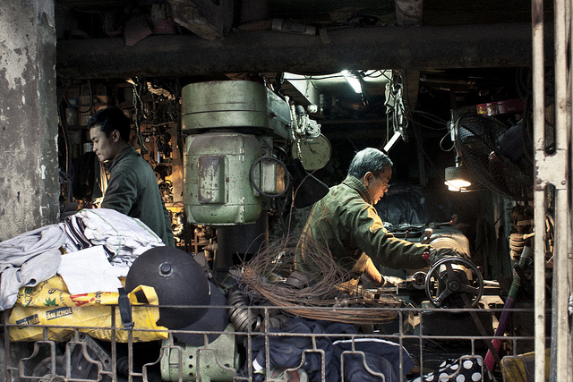 hanoi-street-factory-photo-by-ika-ink.jpg