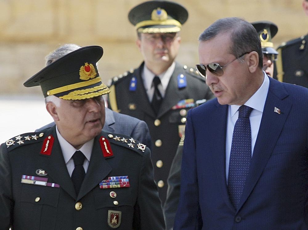 Prime Minister Recep Tayyip Erdoğan, right, talks with Gen. Necdet Ozel, Source: AP Photo