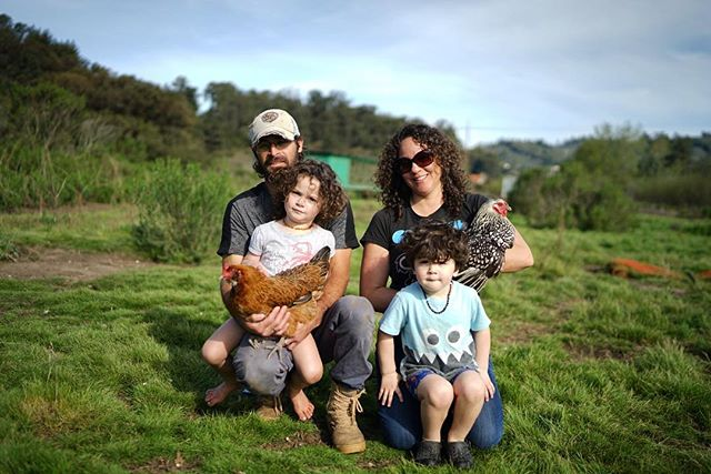 Edgar, Kaley, and their two kiddos // The incredible foursome behind @solseekerfarm. Raising birds of all kinds using beyond organic methods, mobile coops, open pastures, and joyful dogs defending them from any predators. The land exudes health and happiness - from the green pastures, to the frolicking birds, and smiling children. We are beyond excited to share Sol Seeker Farm's chicken and eggs with you at our next Fareground dinner on May 6. Stay tuned! . . #farm #farmlife #agriculture #organic #smallfarm #farmtotable #farmtofork #chickens #familyfarm