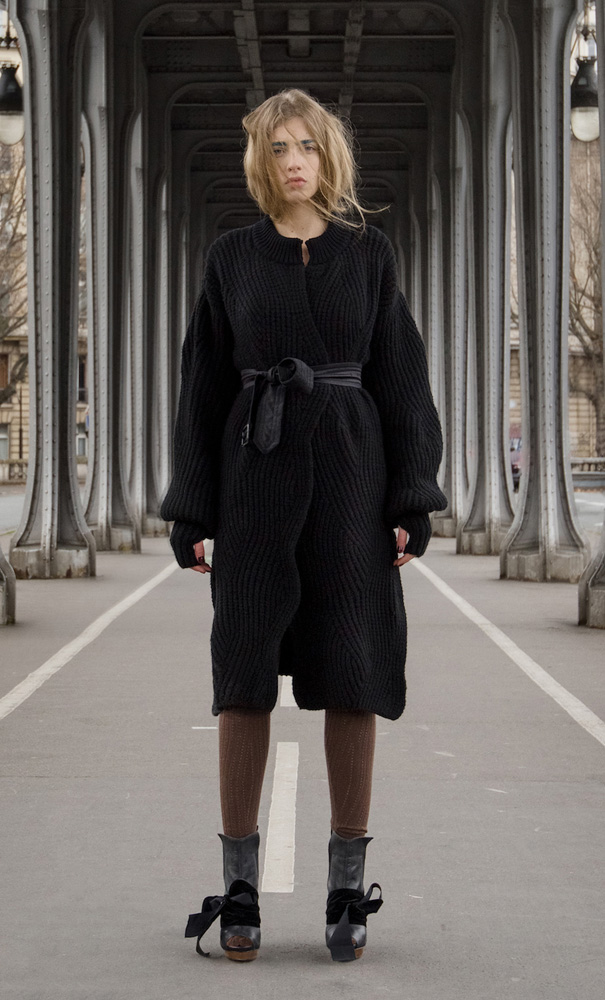 YUJIA cashmere black.jpg