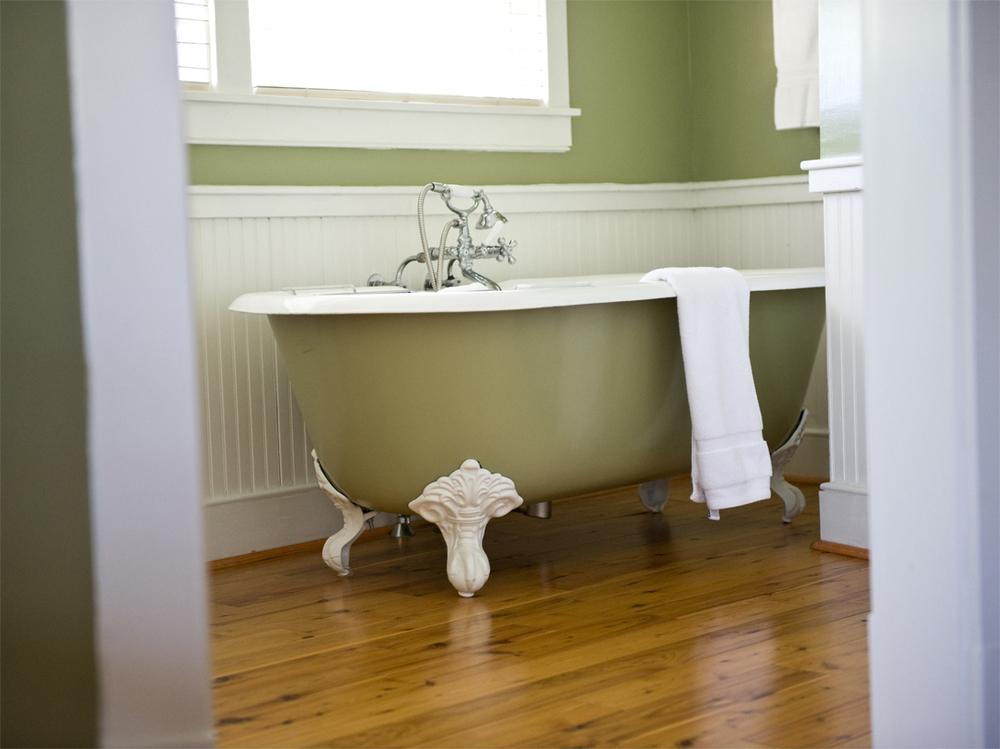 lavenderroom2.jpg