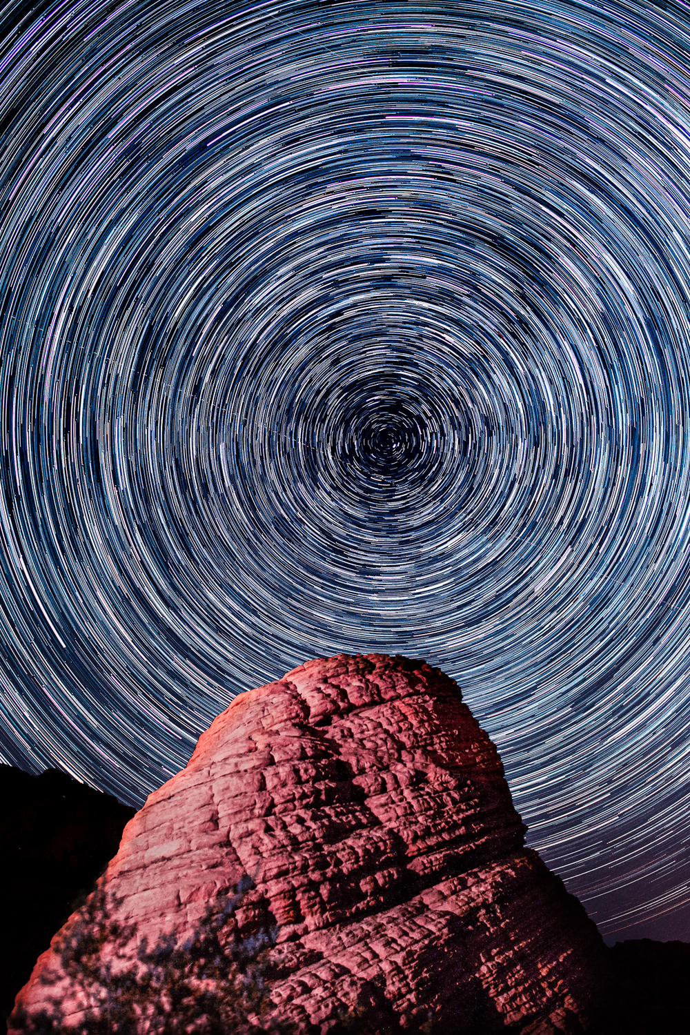 VOF_Arch_StarTrails_111_Jun04.jpg