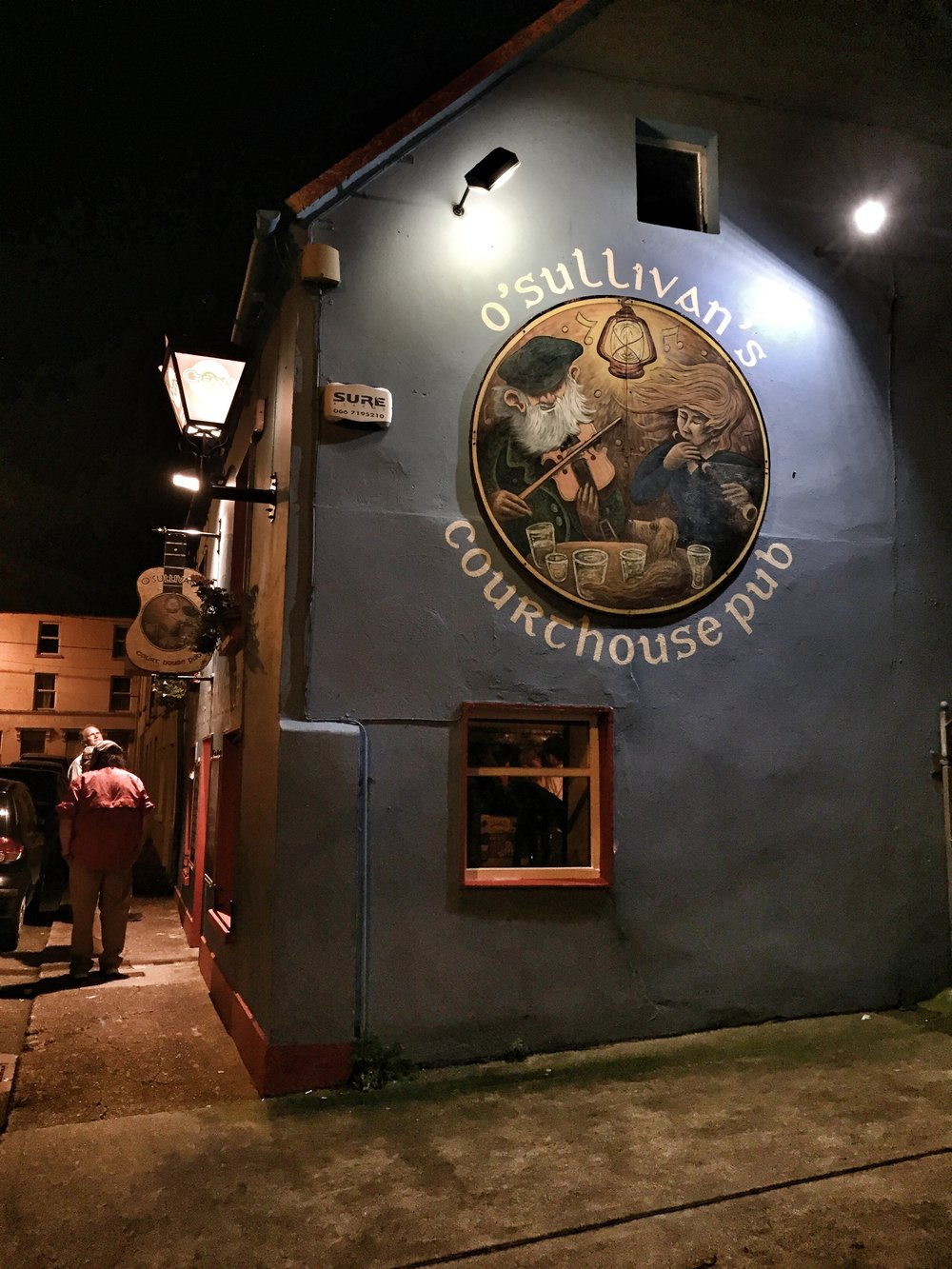 Irish pub with traditional music