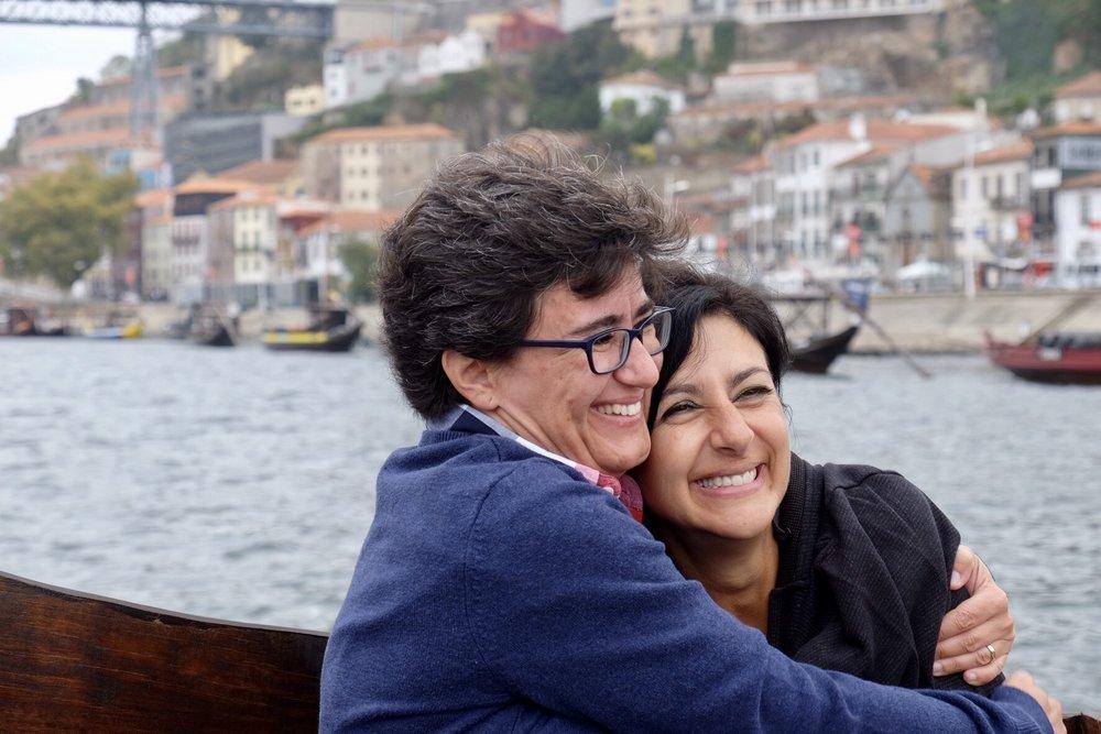 BFFs Paula and Ana