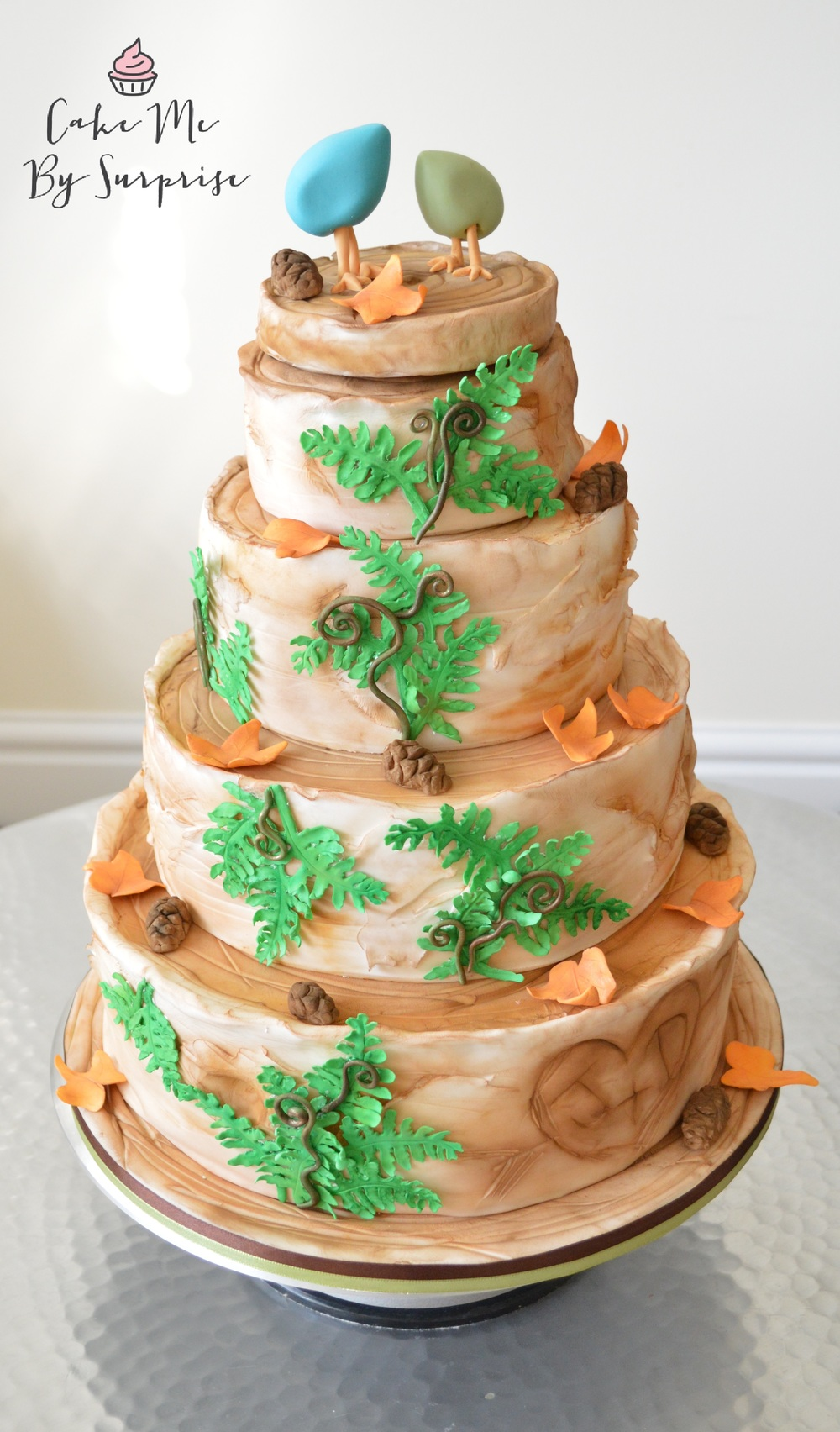 Woodland Cake Complete with sugar crafted fern and autumn leaves Serves 134 £620