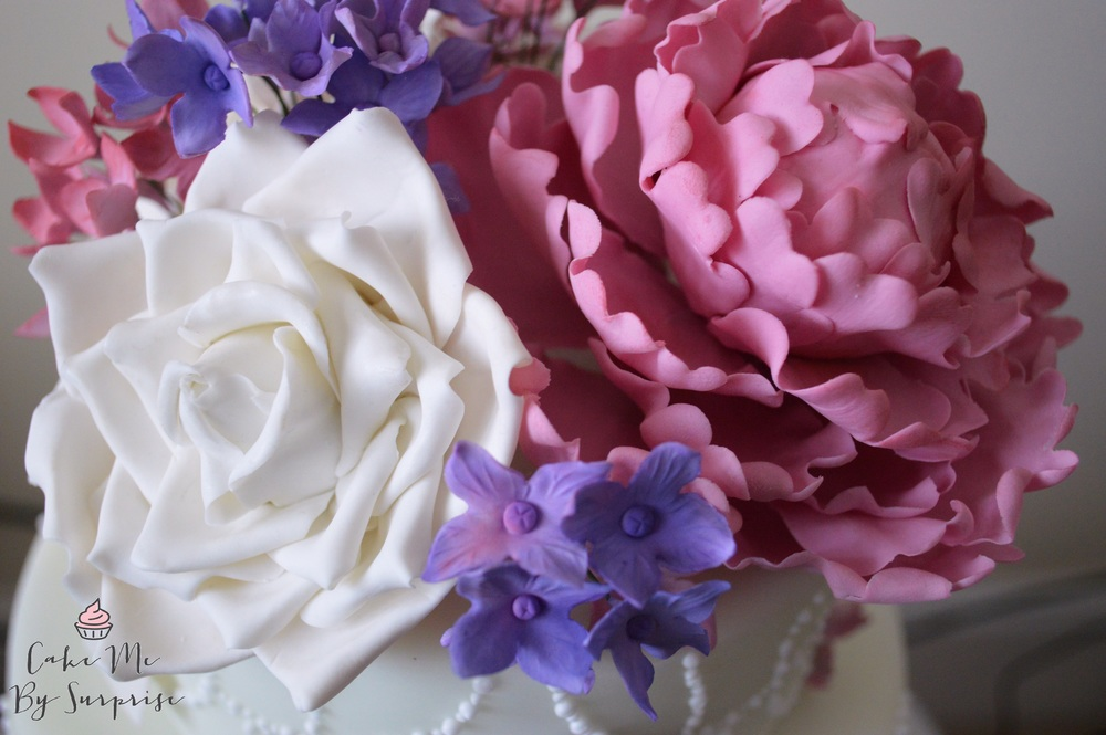 Peony, hydrangeas and avalanche rose sugar topper