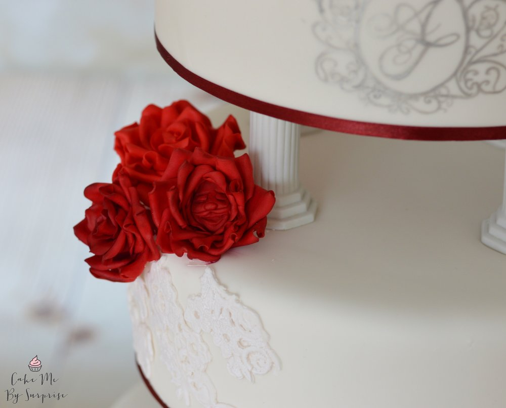 Scarlet sugar roses for wedding cake