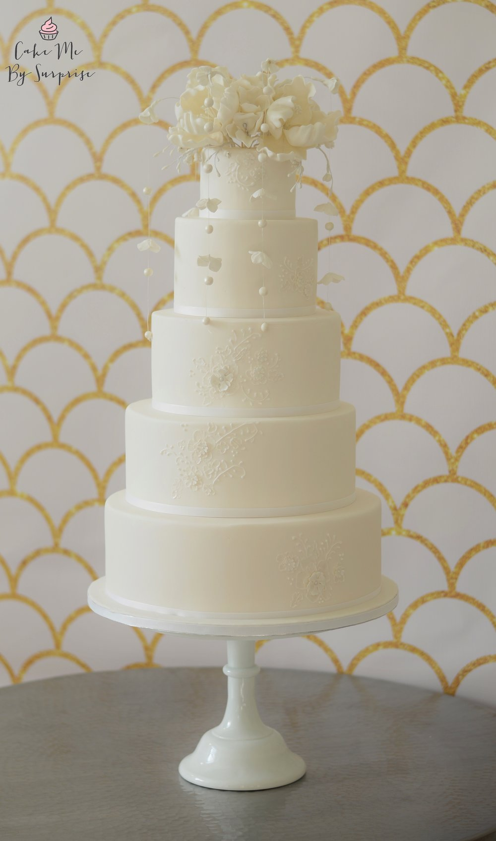 Pearl Drop White Wedding Cake