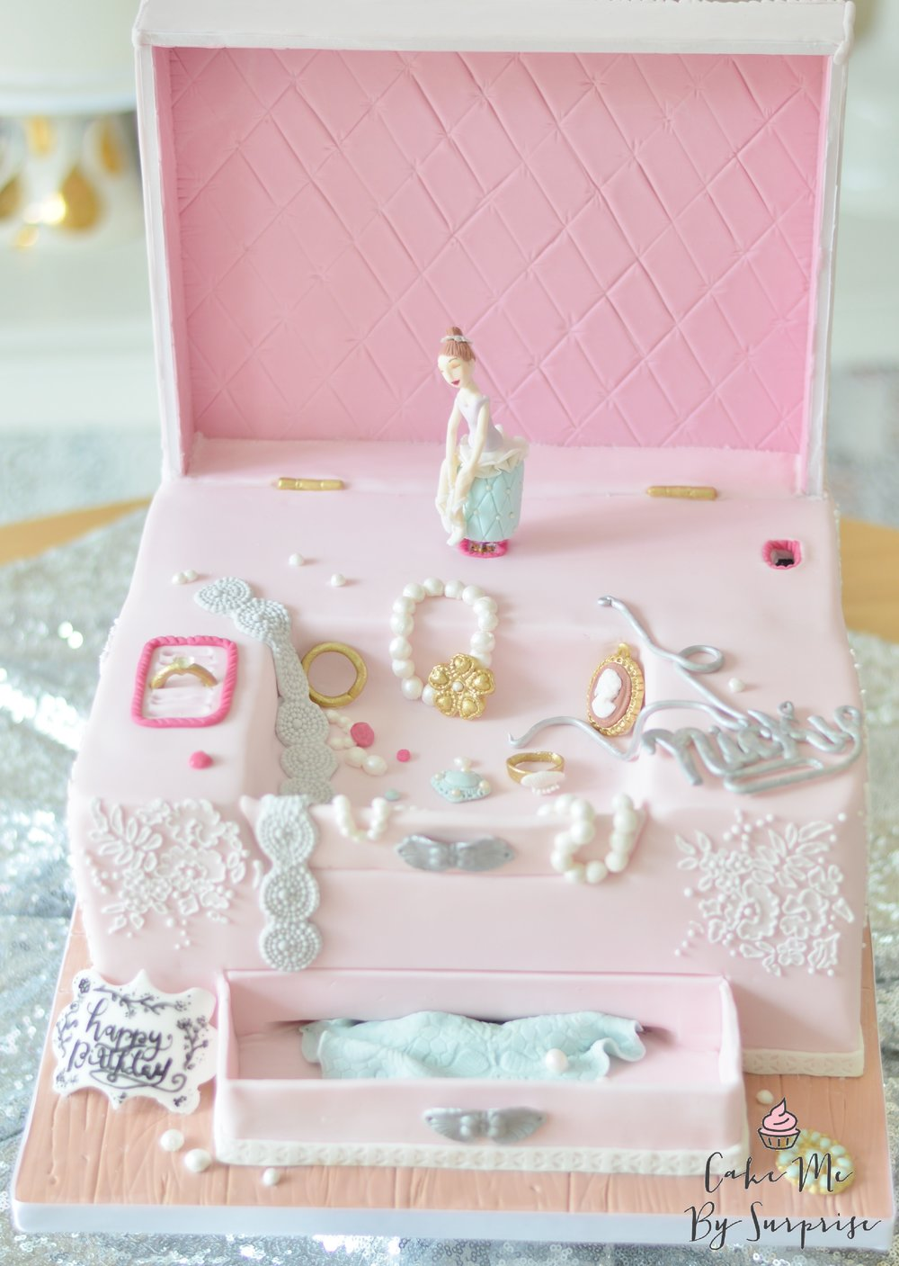 Jewellery box cake with ballerina