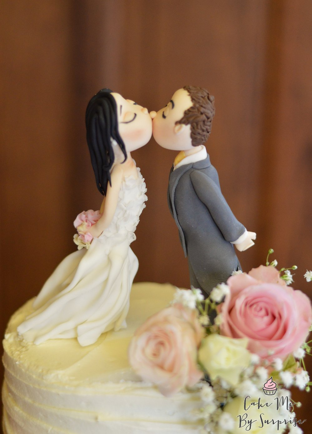 kissing anime cake toppers
