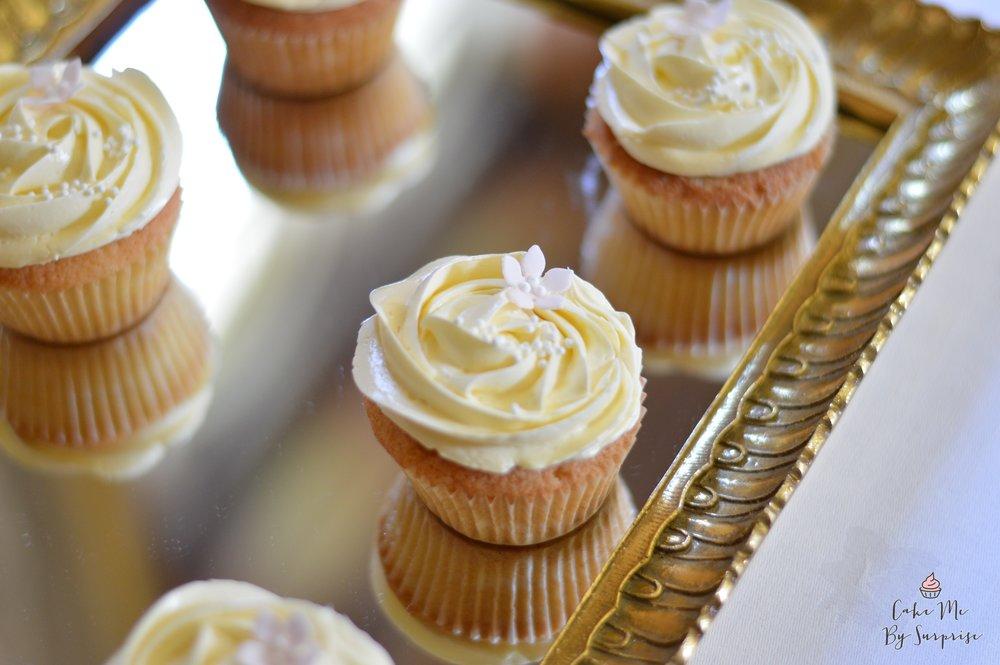 Dessert table cupcakes.JPG