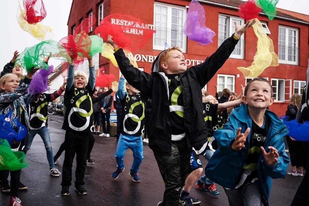 Dansk Skoleidræt deltog i 2017 på Folkemødet på Bornholm, hvor organisationens politisk valgte repræsentanter var med i forskellige debatter. Elever fra Kongeskærskolen i Allinge viste desuden motorik-øvelser iført T-shirts fra Skolesport og blev på den måde et levende bevis på, at bevægelse giver glæde og begejstring.