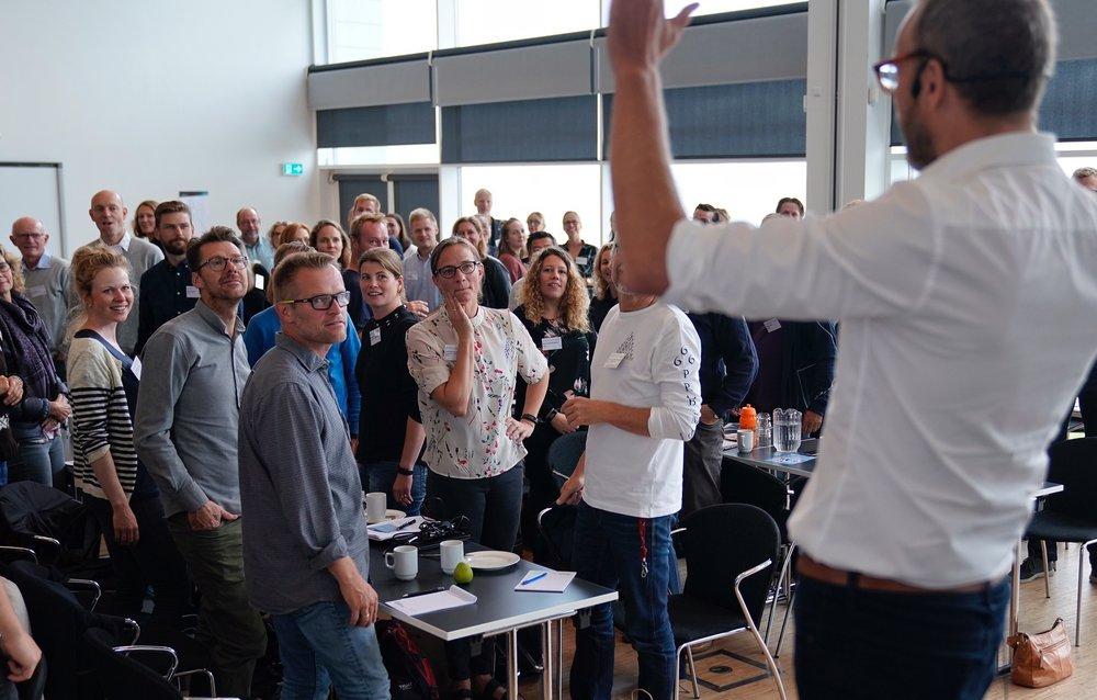 Deltagere fra kommuner i hele landet var samlet ved Bevægelse på Tværs-konferencen 2017, hvor de fik ny inspiration til arbejdet med at understøtte skolernes arbejde med bevægelse.