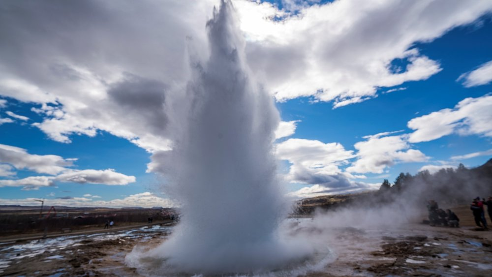 The Golden Circle - in Small Group, price 10.900,- ISKVisit the most popular destinations in Iceland; Gullfoss waterfall, Thingvellir National Park and Geysir Geothermal area.BOOK NOW