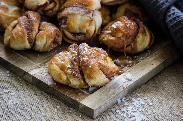 Swedish Cinnamon Rolls are best with a dash of Falksalt #falsalt #flakes #fff #swedish #cinnamon #rolls