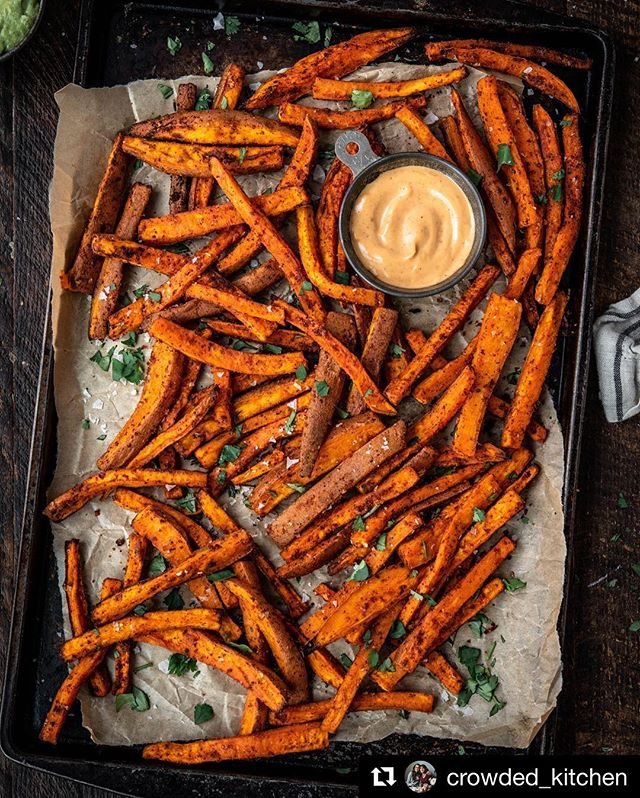 Simply delicious! See how our fellow Michiganders, @crowded_kitchen, used Falksalt to give their gorgeous sweet potato fries an extra bite of flavor! Find the recipe below and make sure to check out their blog! Listed in their bio! ・・・ As promised, the recipe for these spiced sweet potato fries is now on the blog! A few of you asked if there's a secret to crispy sweet potato fries - tossing them in cornstarch (along with the other spices/seasonings) makes for a definite improvement in crispiness factor, but don't expect the same texture as legitimate fries. These oven-baked fries are delicious in their own right, and they make for a great side dish! Link in bio 👆 #crowdedkitchen . . . . . . . . #plantpower #plantbased #plantpowered #foodphotography #healthylifestyle #glutenfree #glutenfreerecipes #vegetarianrecipes #veganfoodshare #wholefoods #kitchn #onmytable #nikon #feedfeed #f52grams #homemade #buzzfeast #foodography #instayum #foodstyling #thenewhealthy #veganrecipes
