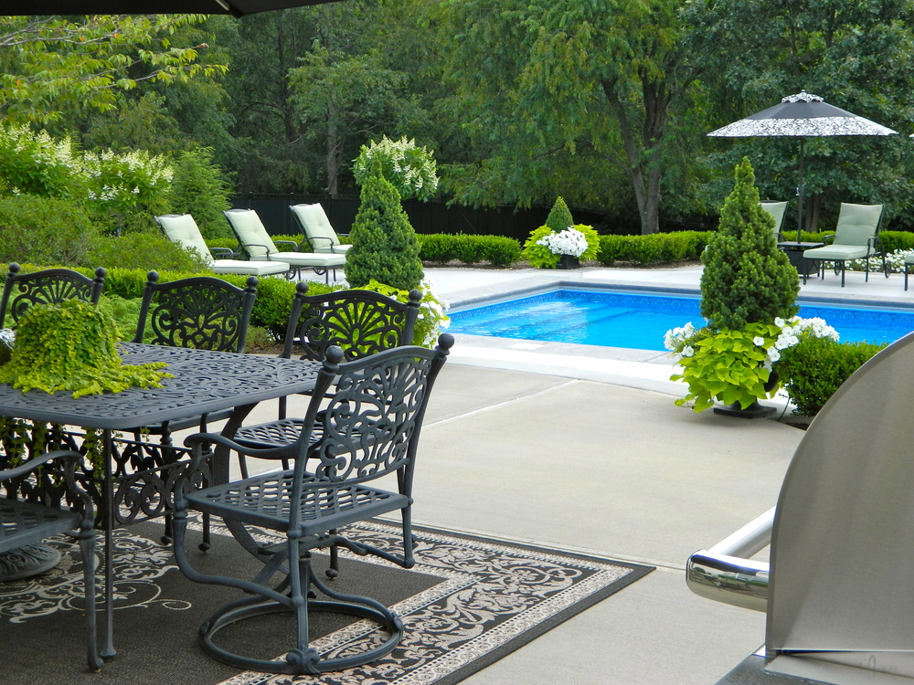 swimming pool landscaping in mars, pa