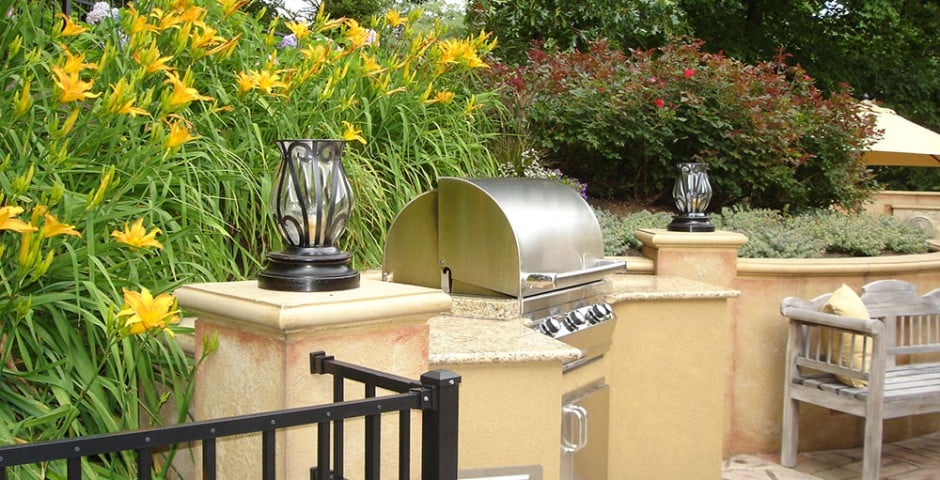outdoor kitchen landscaping in greensburg, pa