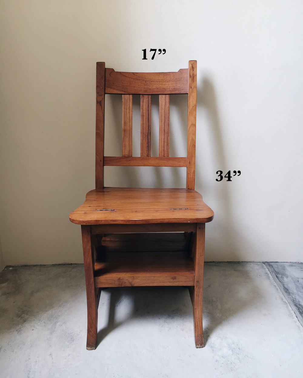 display lib chair 2.jpg