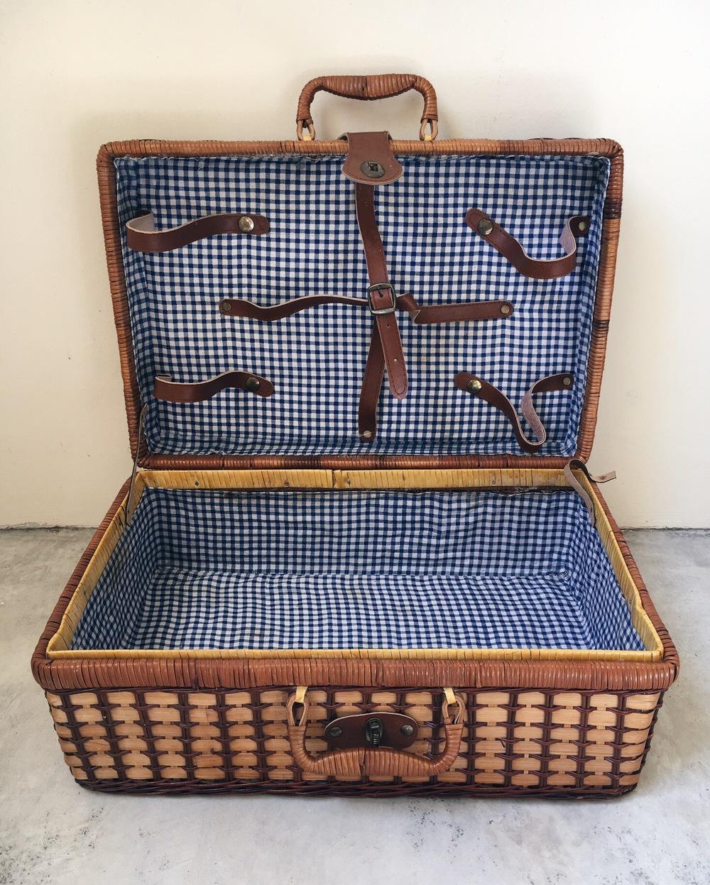 storage picnic basket rec 3.JPG