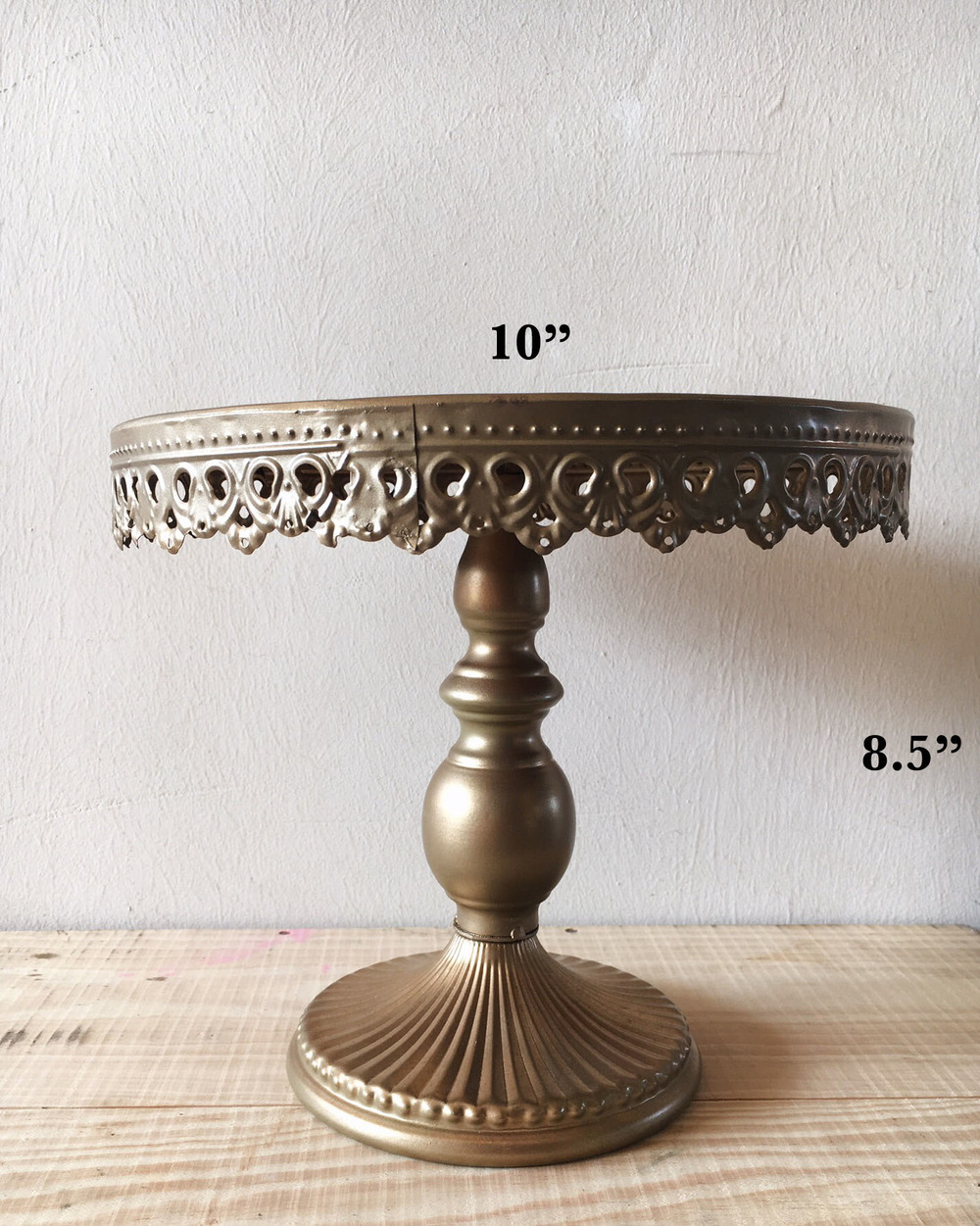 dessert table cake stand gold 3.jpg