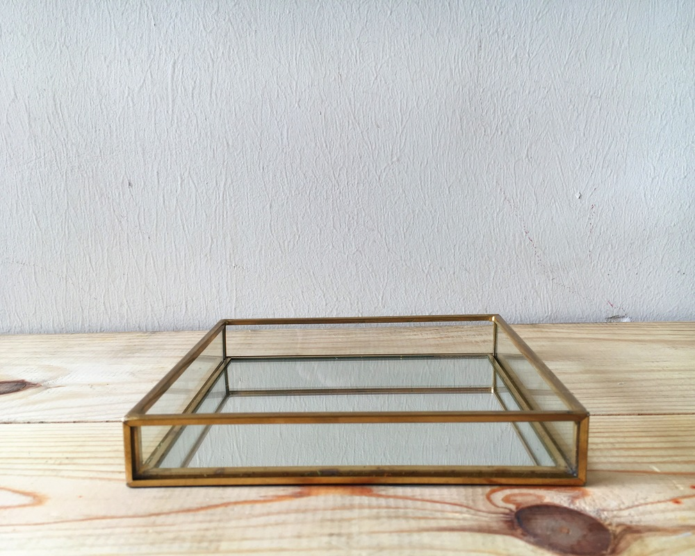 D09 Vanity Tray