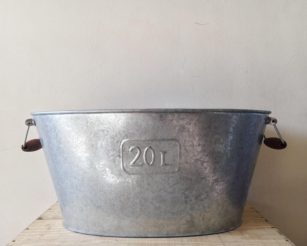 dessert table metal galavanized tub 2.JPG