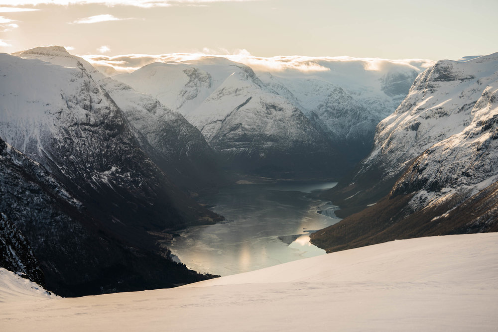Lodalen, sett frå Hoven. Foto: Bård Basberg