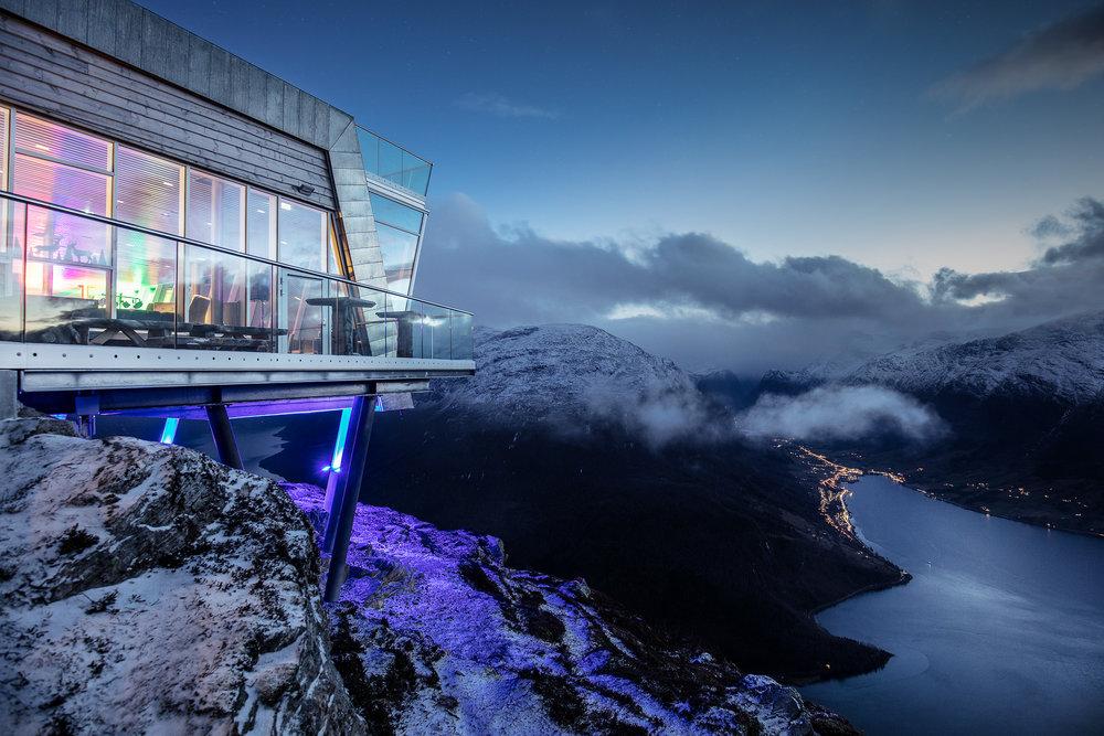 Høgt og vilt på Hoven. Foto: Marius Beck Dahle/Loen Skylift