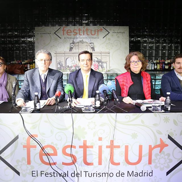 Hoy ha tenido lugar, en la Sala@blingblingmdr el acto de presentación de la 4ª Edición de@Festitur, El Festival del Turismo de Madrid organizado por la Asociación de Empresarios de Ocio Nocturno de la Comunidad de Madrid, Noche Madrid, coincidiendo con la celebración en Madrid de la Feria Internacional de Turismo,@fiturmadrid  #FESTITIR2018