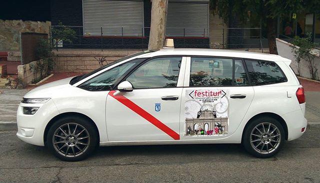"""@teletaximad , uno de nuestros colaboradores, """"paseando""""Festiturpor toda la capital. ¡El Festival de Turismo de Madrid te espera hasta el 21 de Enero! Grandes ofertas y promociones especiales en ocio para ti.  #FESTITUR2018"""