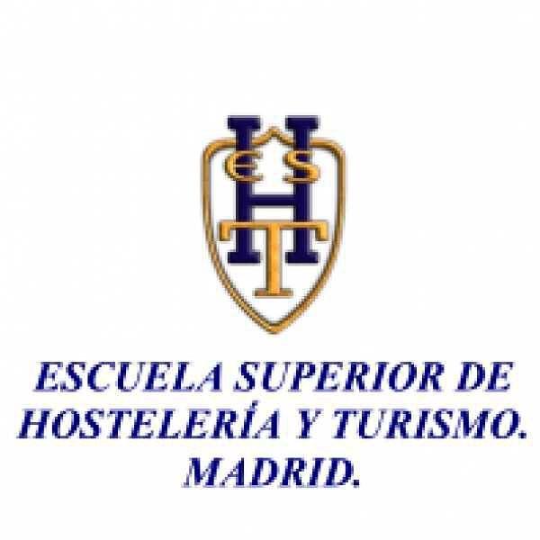 La reunión preparatoria con los alumnos de la Escuela de Hostelería y Turismo de Madrid que han decidido participar en FESTITUR, es uno de los momentos claves para garantizar que todo vaya a salir bien y que todo esté preparado para informar a los más de 100. 000 profesionales del turismo de todo el mundo que visitan Madrid a partir del próximo día 23