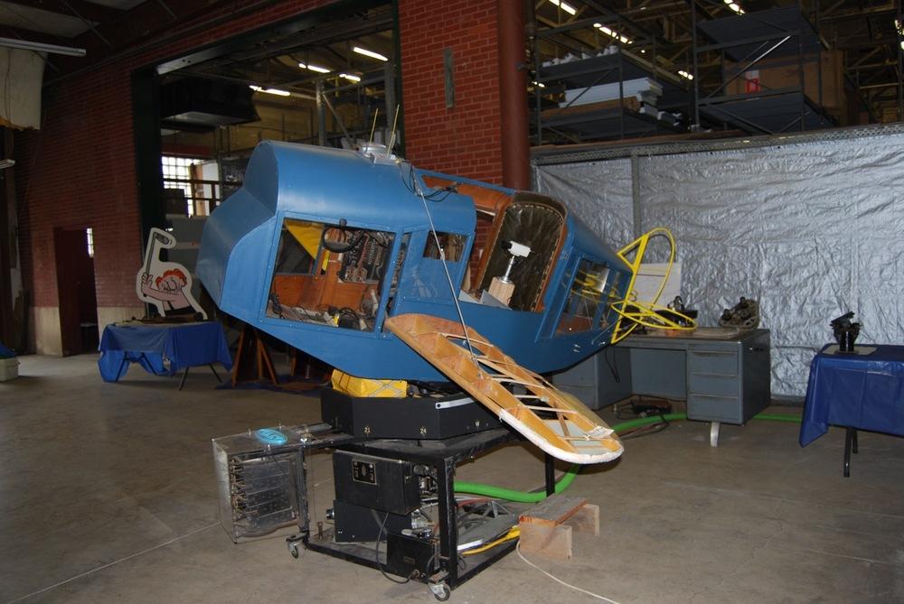 2011-08-13 Link Trainer looking E peg johnston ph.jpg