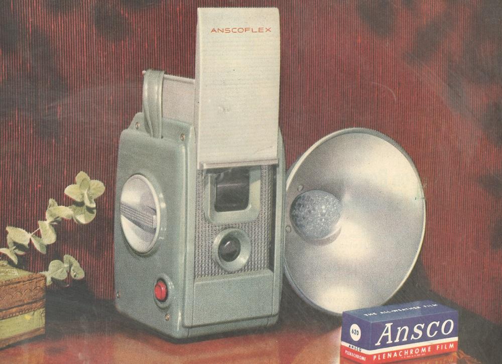 Ansco Flex camera 1950s-60s  1000 px.jpg