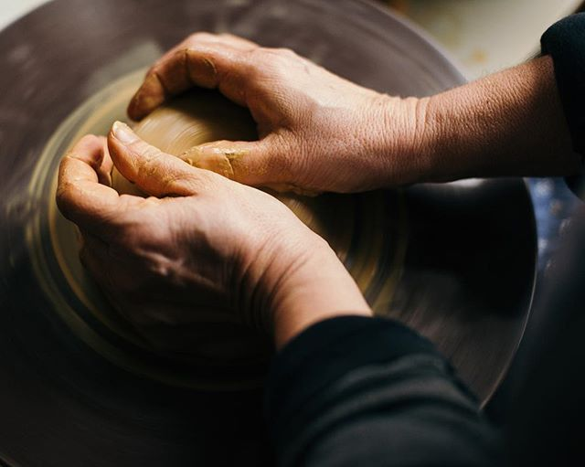 Making a vase out of clay. January, 2019. Some outtakes from a story I photographed for @toepoi_goods