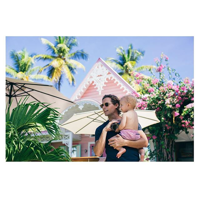 Holiday bliss with my boys. 🌴💕🌺