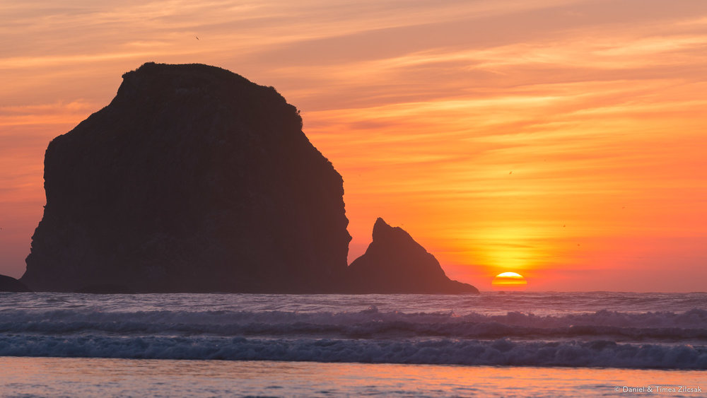 The sky on fire at Shi Shi Beach and Point of the Arches, Olympi