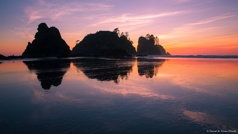 Spectacular sunset at Shi Shi Beach and Point of the Arches, Oly