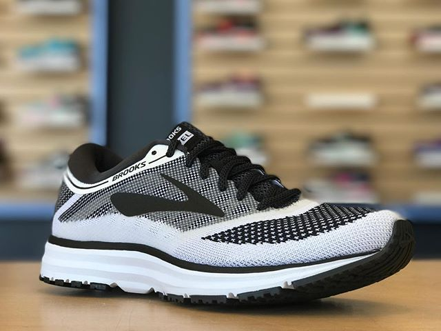 The brand new, great looking @brooksrunning Revel is now available at Future Track! On the run, at the gym, or just kicking back, this shoe is built to keep you comfortable and looking good all day long. Try on your pair today! . . #futuretrack #brooksrunning #runhappy #brooksrevel #runningshoes