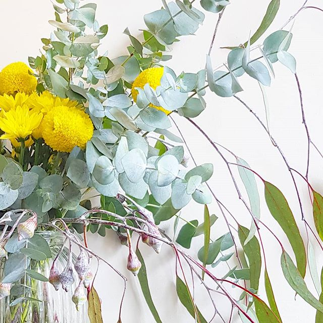• Pom Pom Happiness • #rustic #floral #yellow #blooms #gumleaves #sundaylove #interiors #insta #instapic #love