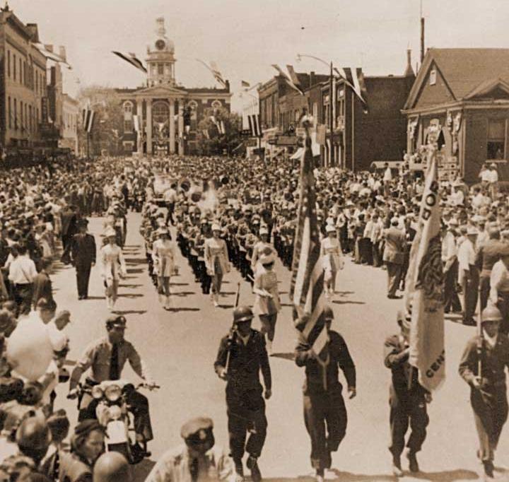 Gen. MacArthur visits Murfreesboro, 1951.