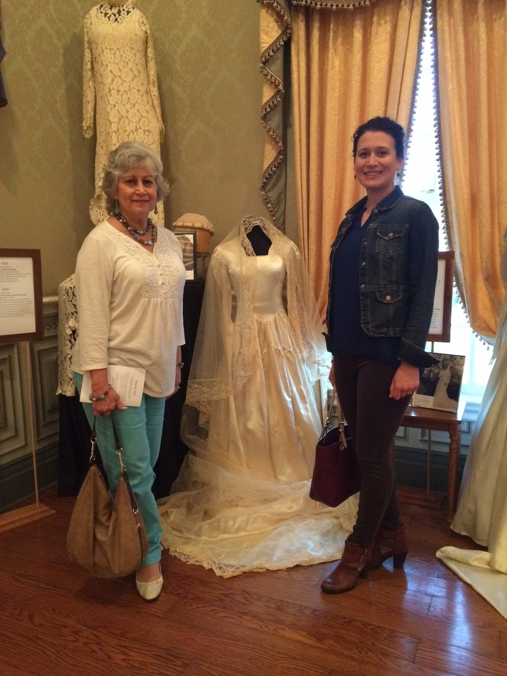 Wedding dresses through the decadeso vip murfreesboro carole peterson and her daughter ombrellifo Images