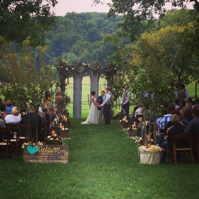 Nature provides the perfect backdrop for the beginning of your life together. Nestled amid the hills sits the breathtaking Samary Plantation located in between Franklin, Nashville and Murfreesboro. SAMARY PLANTATION www.samaryplantation.com